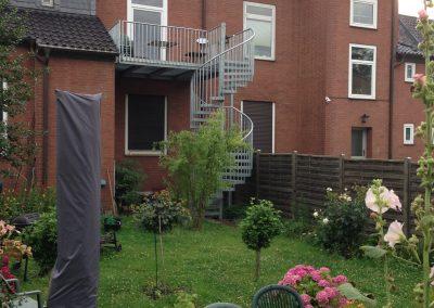 blau-metalbau-haan-projekte-referenzen-balkon-treppe