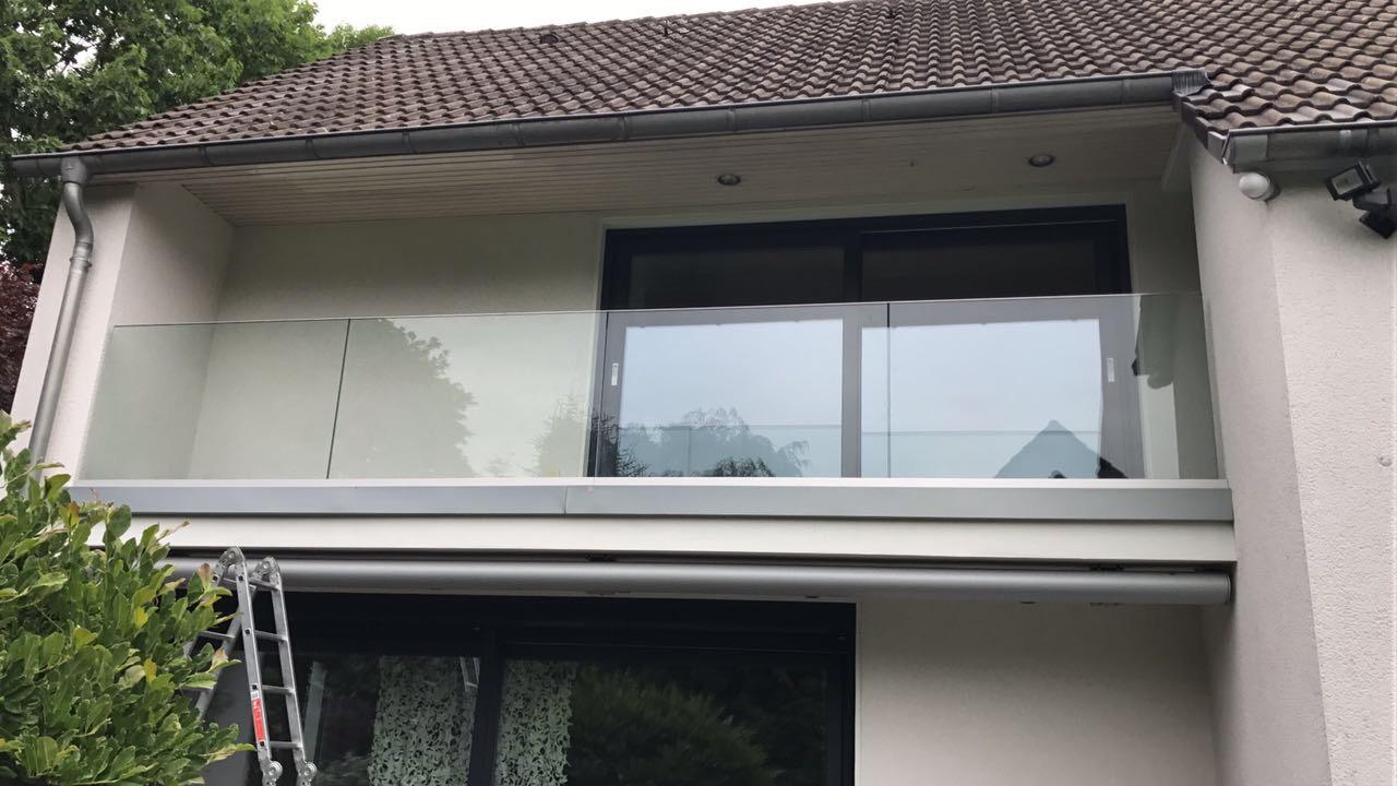 Balkongelander Glas Metallbau Blau In Haan