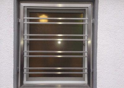 Metall-Martin-Blau-und-Sohn-GmbH-Fenstergitter-Edelstahl
