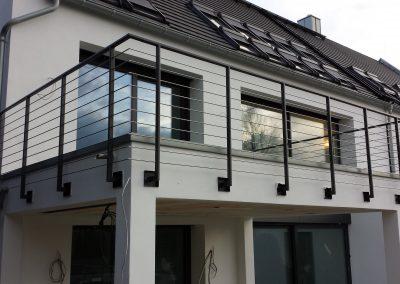 blau-metalbau-haan-balkongelaender-stahl